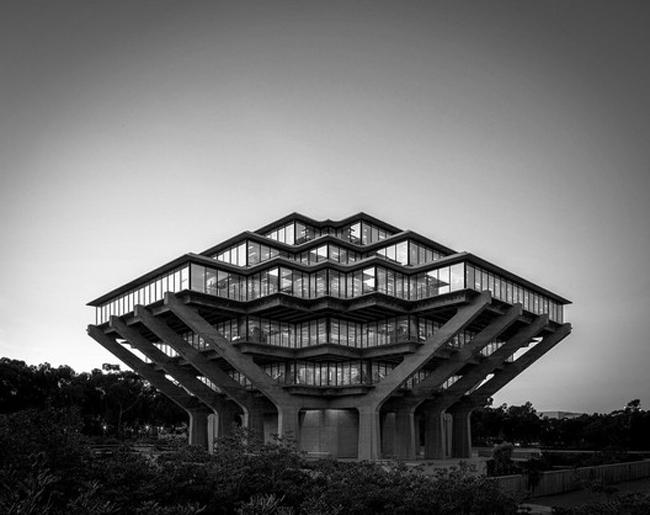 thư viện các công trình kiến trúc độc đáo trên thế giới 03